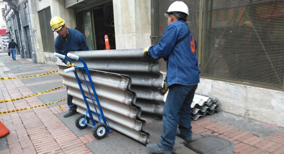 El Decreto 402 establece la prohibición de importación y exportación de asbesto. Foto: Twitter