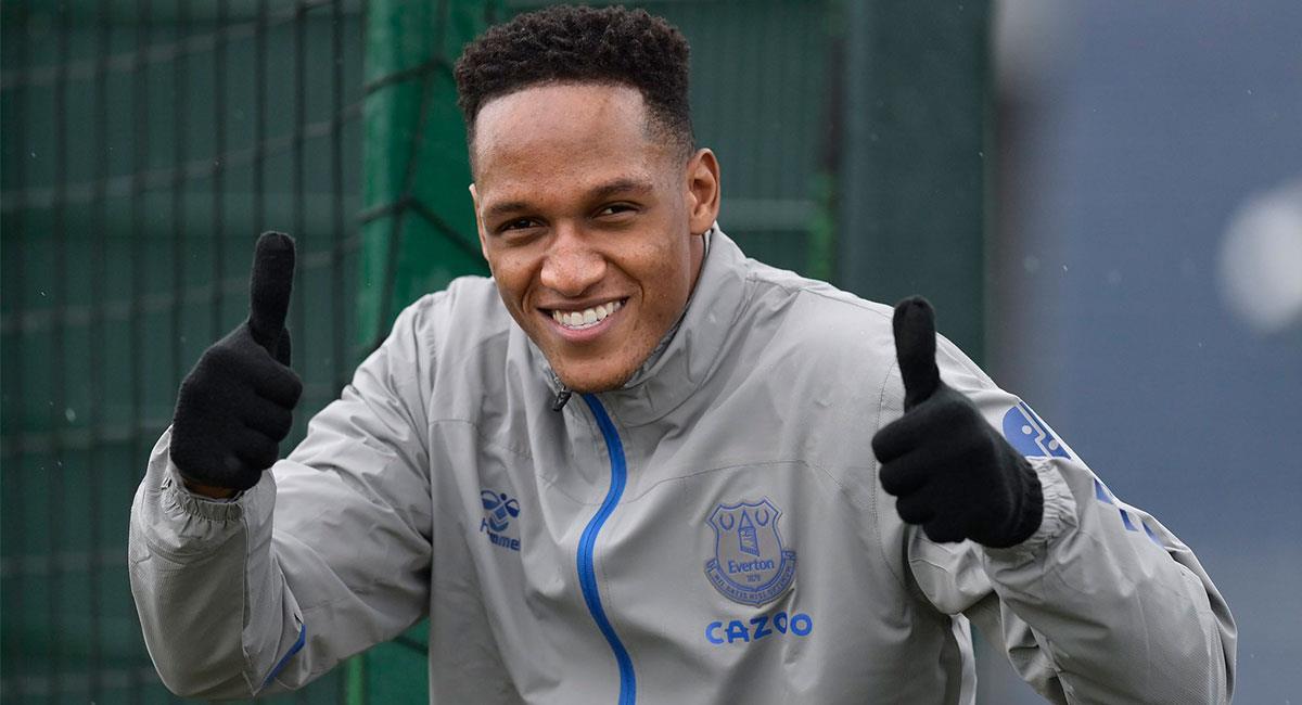 Yerry Mina superó su lesión y estará disponible para el partido entre Everton y Arsenal. Foto: Twitter @EvertonESP