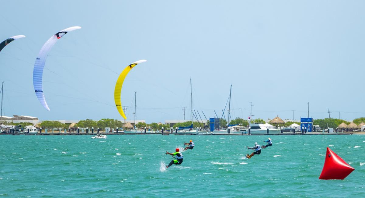 Puerto Velero te brinda oportunidad de practicar decenas de deportes acuáticos. Foto: Twitter @Inder_Atlantico.