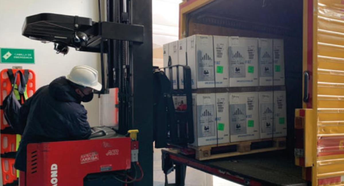 Nuevo lote de vacunas de Pfizer llega a Colombia. Foto: Ministerio de Salud