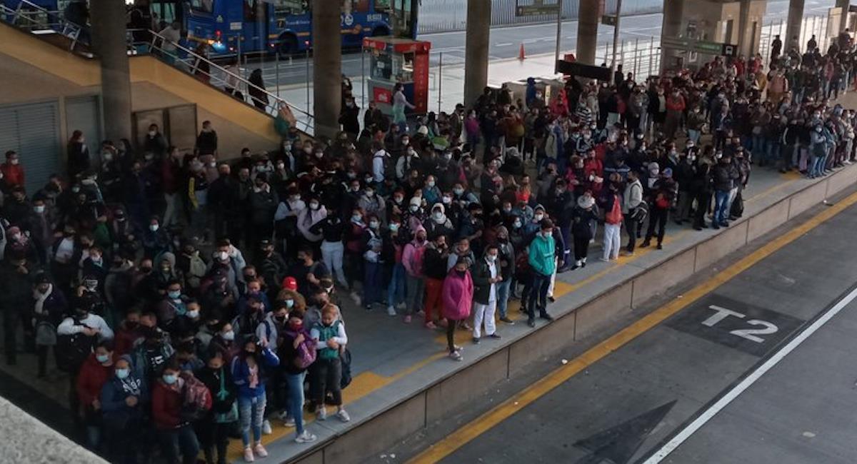 Alcaldía pide buscar rutas alternas a los viajeros. Foto: Twitter @CesarPachonAgro