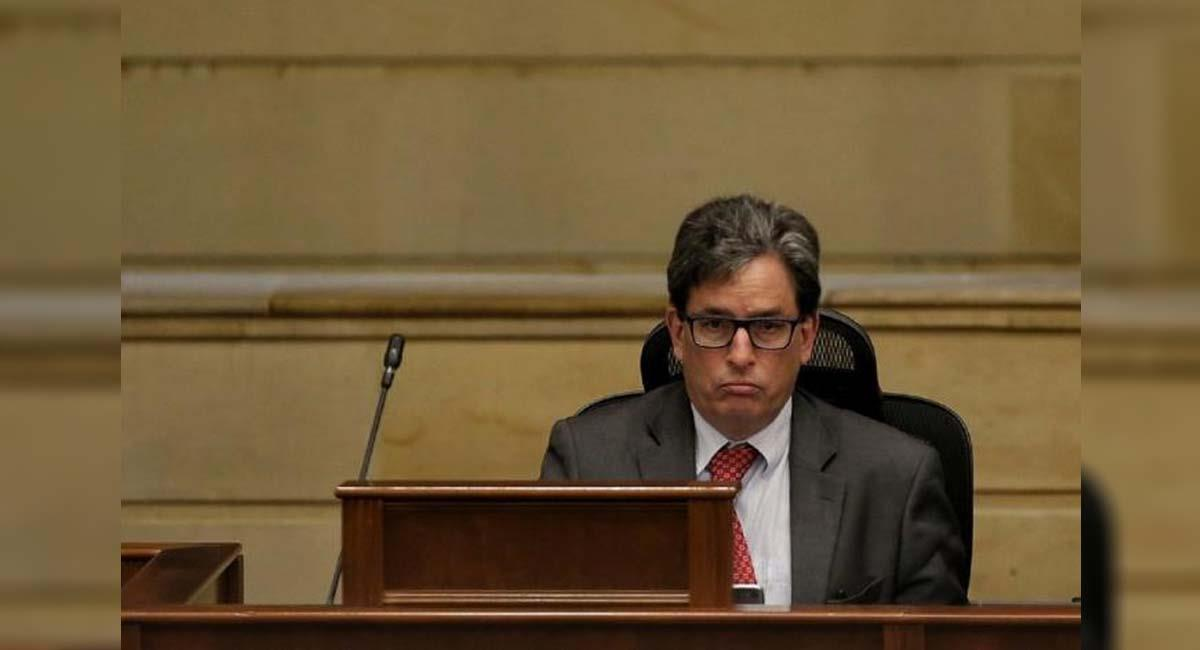 Alberto Carrasquilla, ministro de Hacienda de Colombia. Foto: Twitter / @CaliesCaliCOL