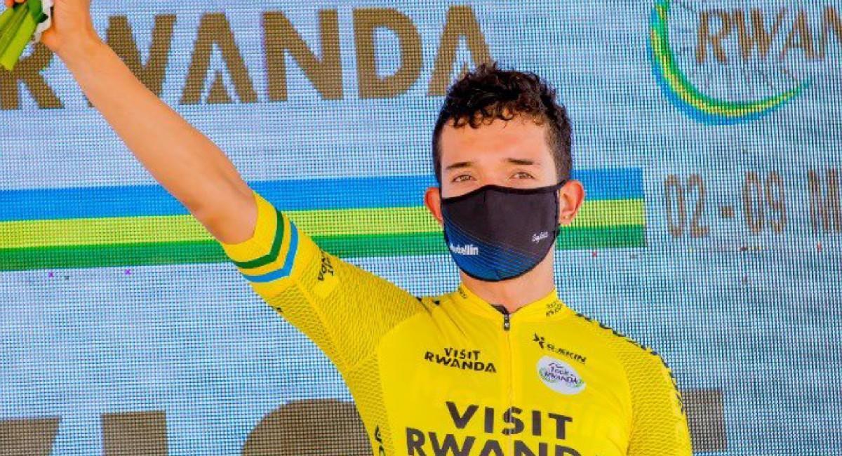 Brayan Sánchez recuperó el liderato del Tour de Ruanda. Foto: Twitter @team_medellin