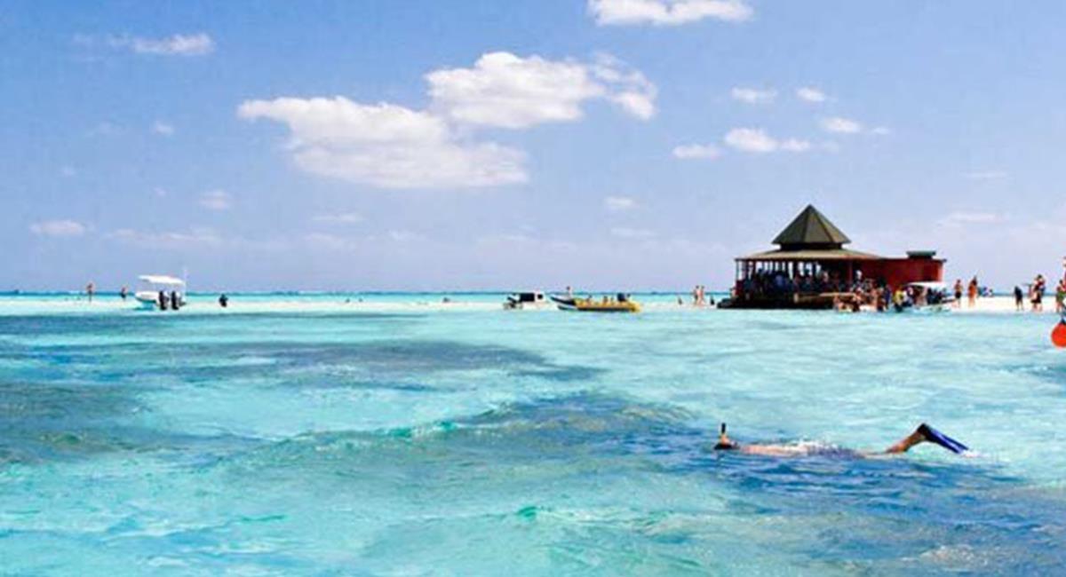 Las playas de Providencia e Isla Catalina son paradisíacas en su tonalidad azul. Foto: Twitter @Construyopais