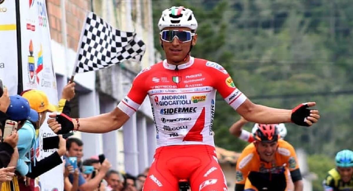 Jhonatan Restrepo, pedalista colombiano del equipo Androni. Foto: Twitter @lavueltatachira