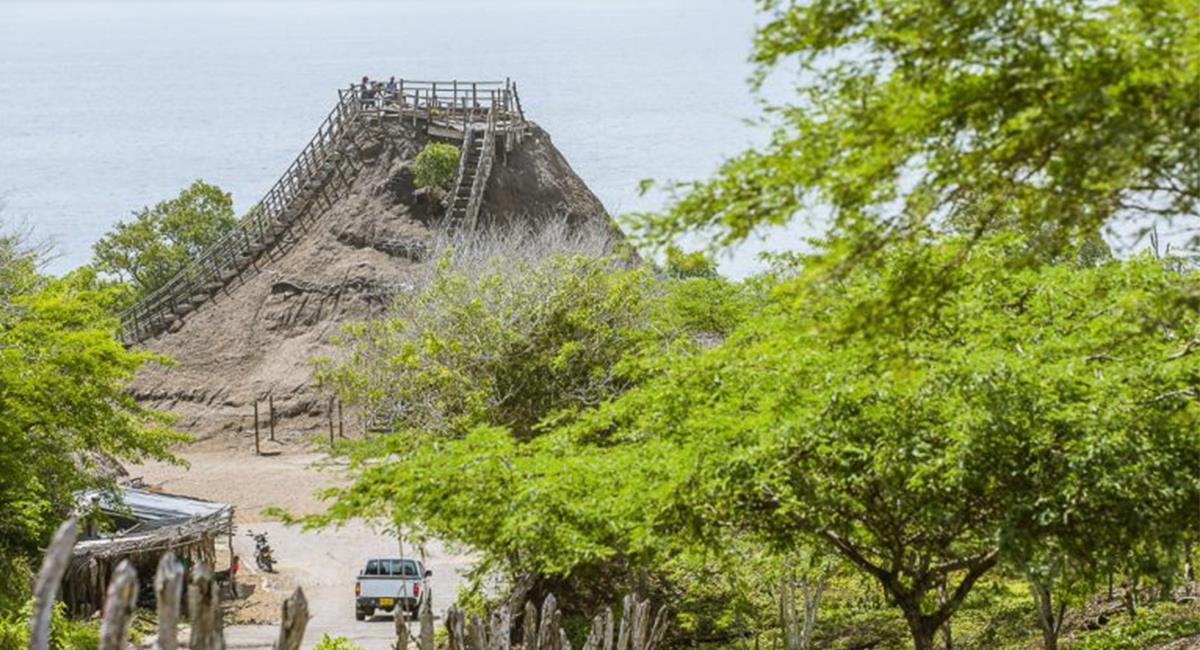 El Volcán del Totumo, es una bondad de la naturaleza que te permite disfrutar de algo diferente. Foto: Wikimedia Commons