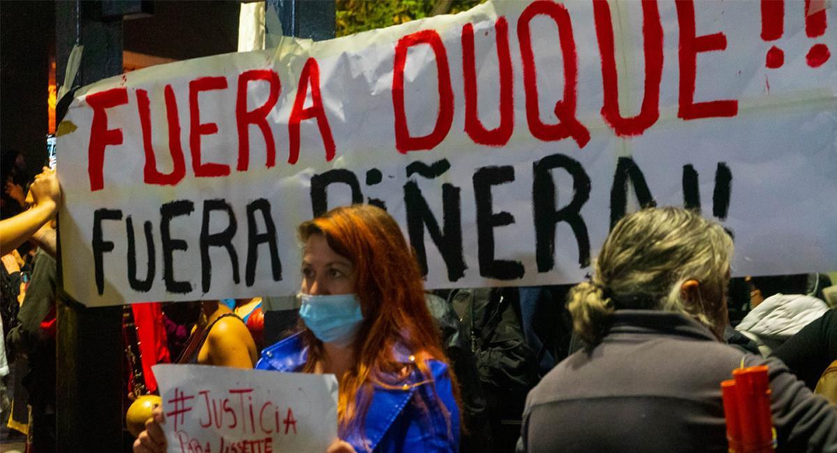En Chile como en Colombia, el descontento popular con la gestión de sus gobernantes ha generado diversas protestas en las calles. Foto: Twitter @Col_informa