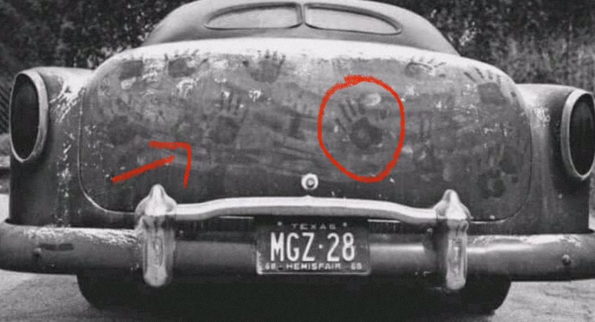 """Algunos 'curiosos' le ponen talco a los vehículos, mientras esperan ser """"empujados"""" por los espíritus. Foto: Twitter @NikTes13"""