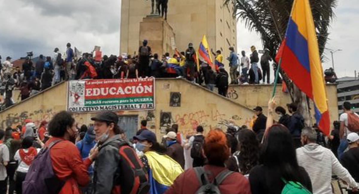 Manifestaciones en favor de mejoras en la educación y en rechazo a la violencia en el paro nacional se presentaron en la mañana en Bogotá. Foto: Twitter @ruanayrebeldia