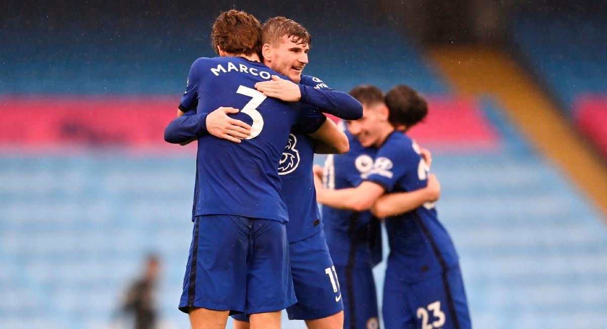 Chelsea derrotó en el último minuto a Manchester City por Premier League. Foto: EFE