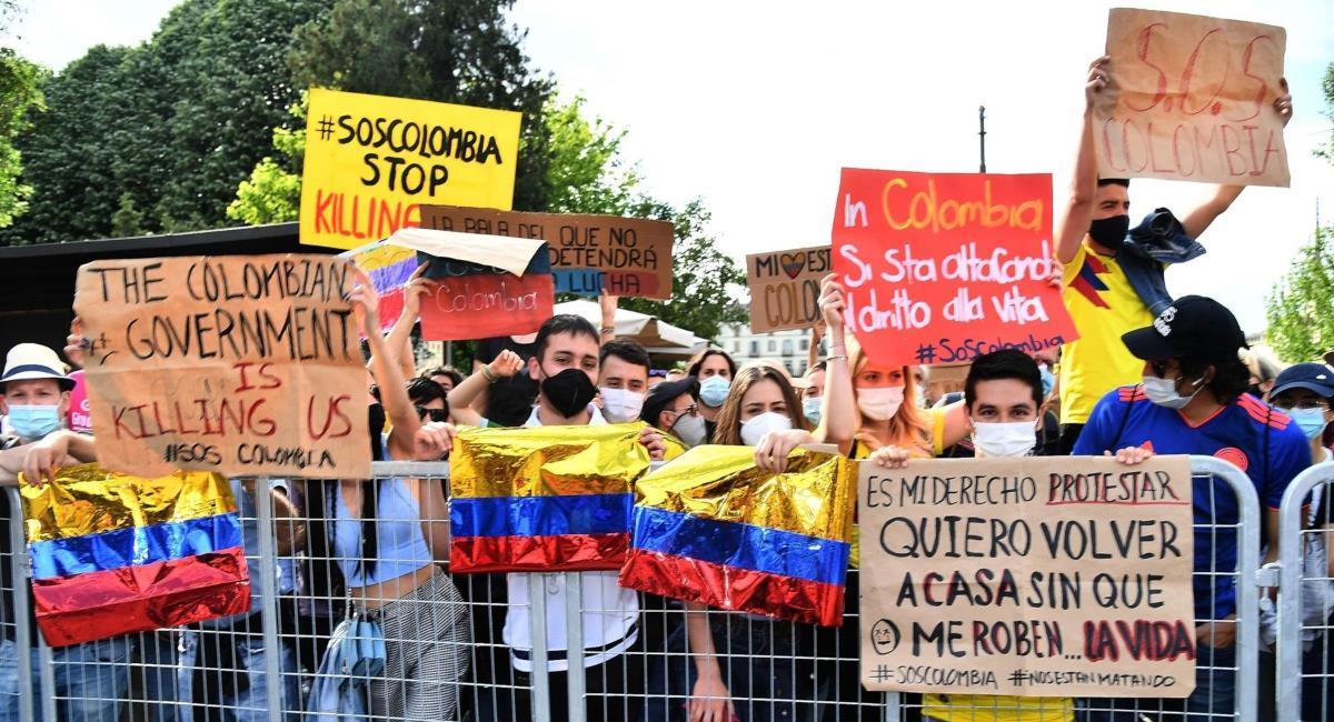 Colombianos se manifestaron en el Giro de Italia. Foto: EFE