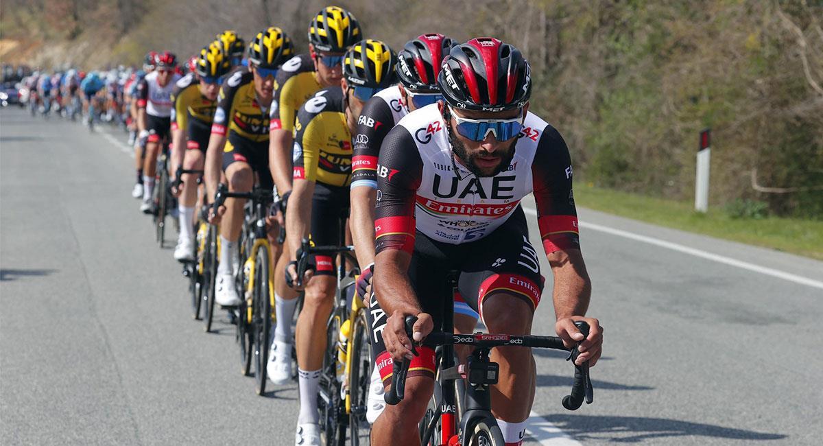 Fernando Gaviria volvió a tener una buen actuación en el Giro de Italia. Foto: Twitter @TeamEmiratesUAE