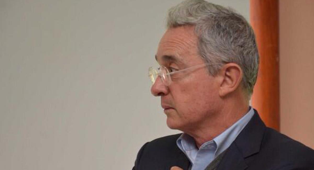 El expresidente y exsenador de la República, Álvaro Uribe Vélez afirmó que un solo huevo en Colombia tiene un valor de $2.000. Foto: Facebook Centro Democrático Comunidad Oficial