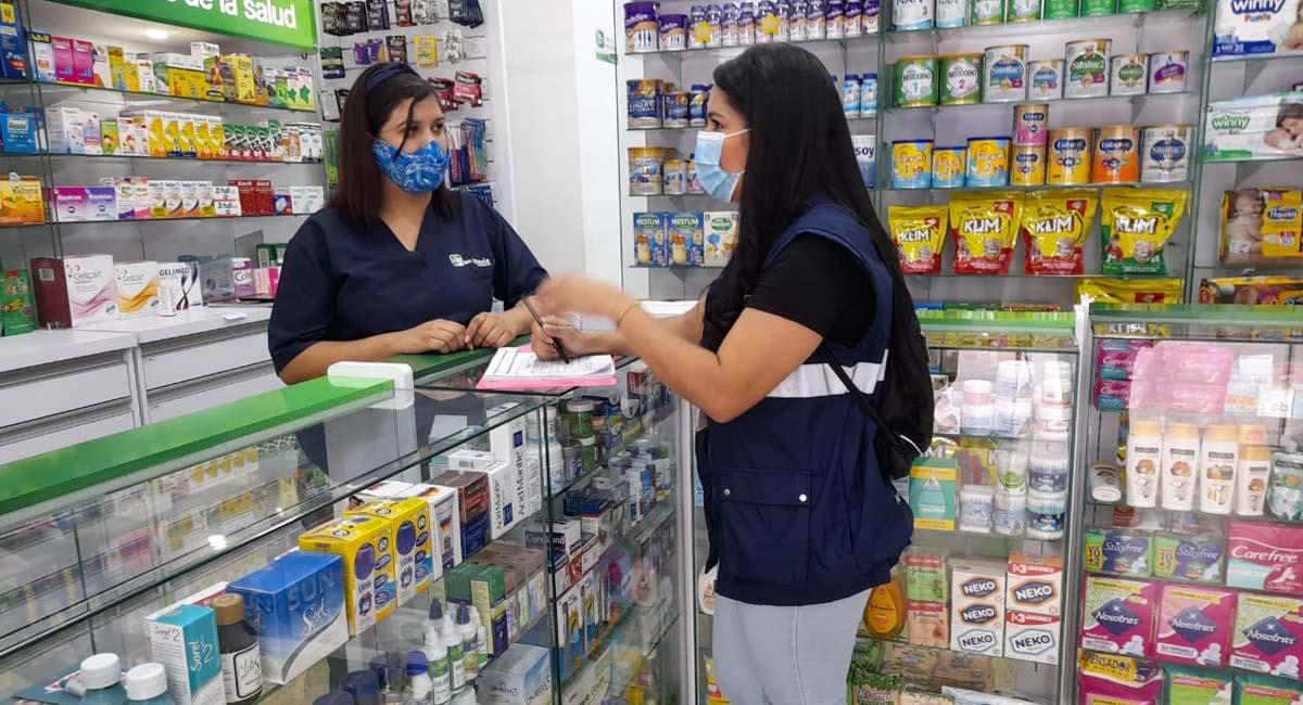 El pico y cédula restringe también el ingreso a negocios de primera necesidad. Foto: Twitter / @AlcaldiadeMed