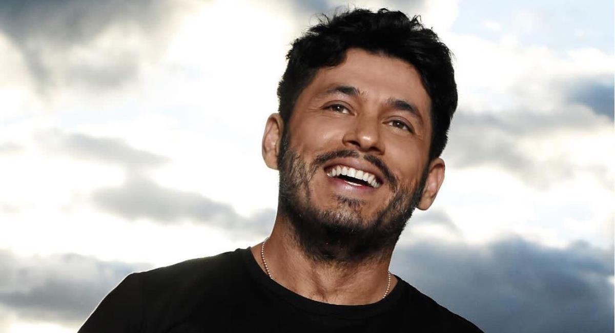 El actor siempre ha hablado abiertamente de manera crítica. Foto: Instagram @santiagoalarconu.
