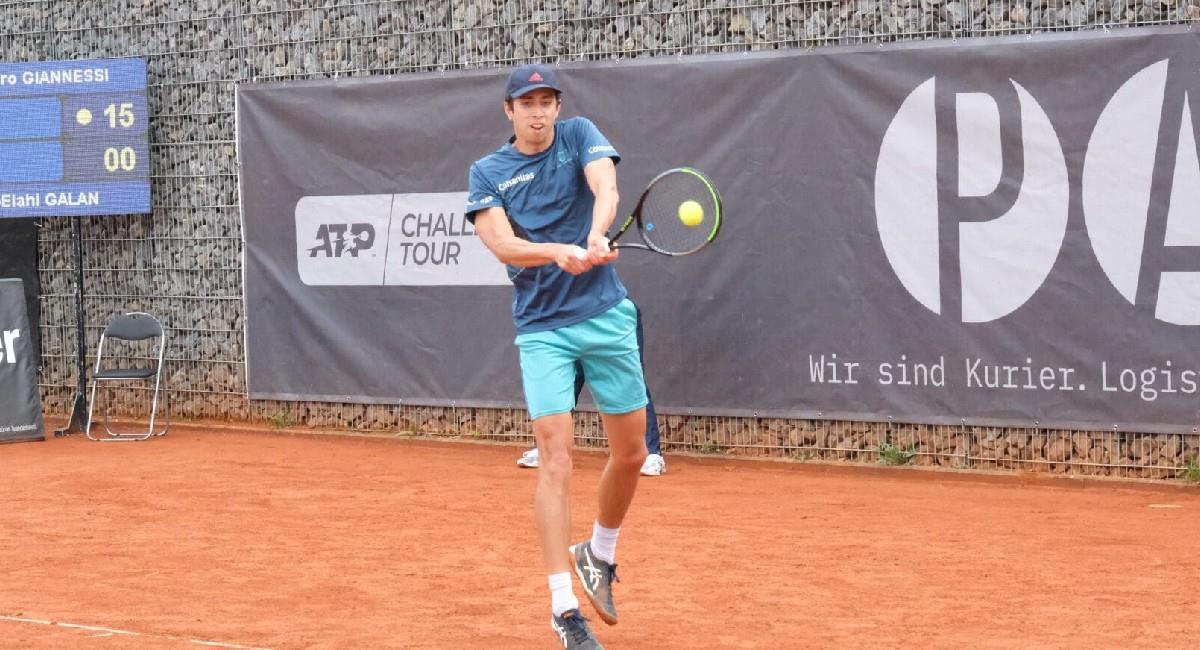 Daniel Galán en acción en el Challenger de Heilbronn. Foto: Twitter @fedecoltenis