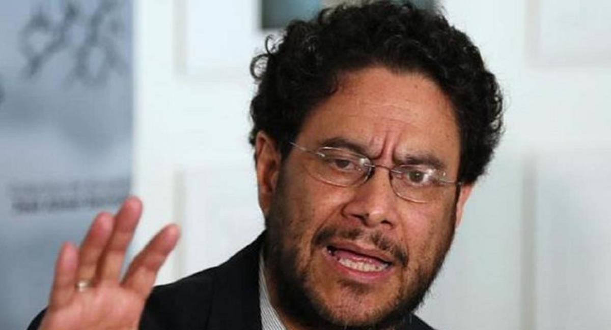 El senador Iván Cepeda lideró una denuncia en contra del estado colombiano por las arbitrariedades cometidas por la Fuerza Pública durante el paro nacional. Foto: Twitter @CABLENOTICIAS