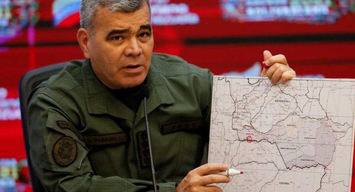 El Ministro de Defensa de Venezuela, Vladimir Padrino López, ratificó que 8 militares de su país fueron secuestrados por un grupo irregular colombiano. Foto: Twitter @napoleonbravo