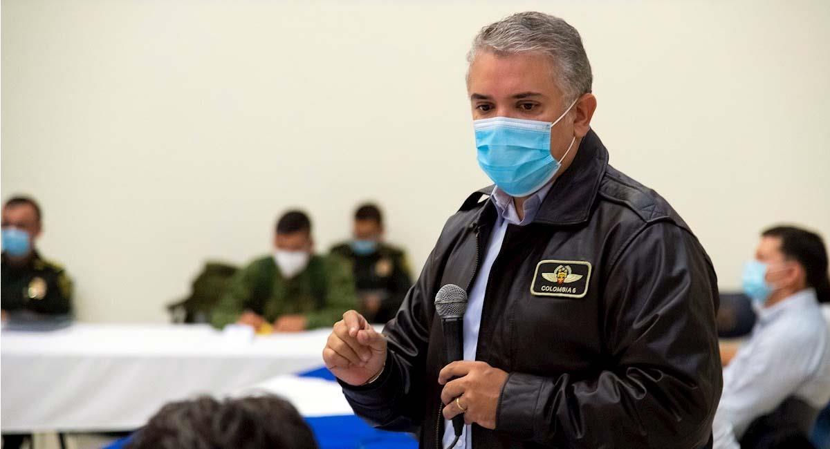 Iván Duque, durante una reunión con autoridades en Cali. Foto: EFE