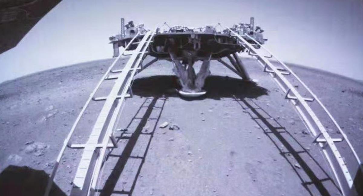 El róver tiene una velocidad máxima de unos 200 metros por hora y puede superar obstáculos. Foto: Twitter @MarsZhurong  ·