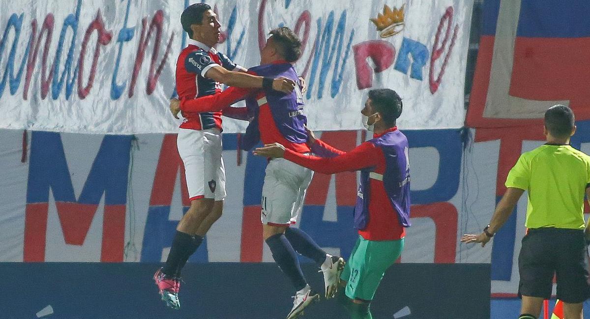 El que celebró fue el cuadro azulgrana de Cerro Porteño que dejó eliminado al América de Cali al ganarle por la mínima diferencia en Asunción. Foto: Twitter @paraguayralph