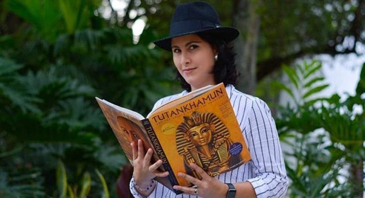 Elizabeth Noreña es una egiptóloga colombiana nacida en Medellín que hará parte de un equipo que espera obtener grandes descubrimientos. Foto: Twitter @avivircaracol