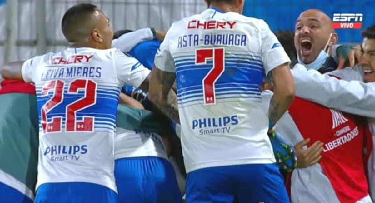 Universidad Católica derrotó a Atlético Nacional y eliminó al equipo colombiano, los 4 equipos del país se quedaron en el camino en una actuación vergonzosa. Foto: Twitter @ESPNChile