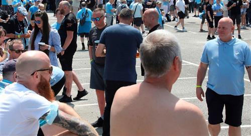Hinchas de Chelsea y del City protagonizan peleas