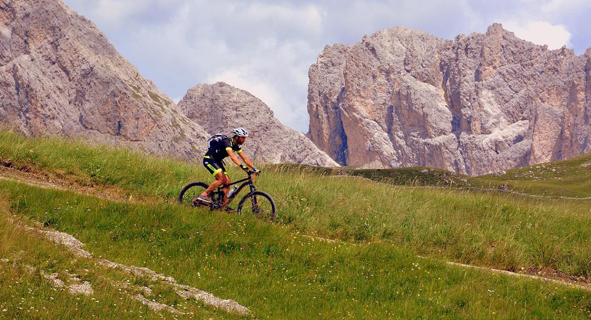 Los viajeros colombianos, cada vez más aman arriesgarse a una ruta en 'bici'. Foto: Pixabay