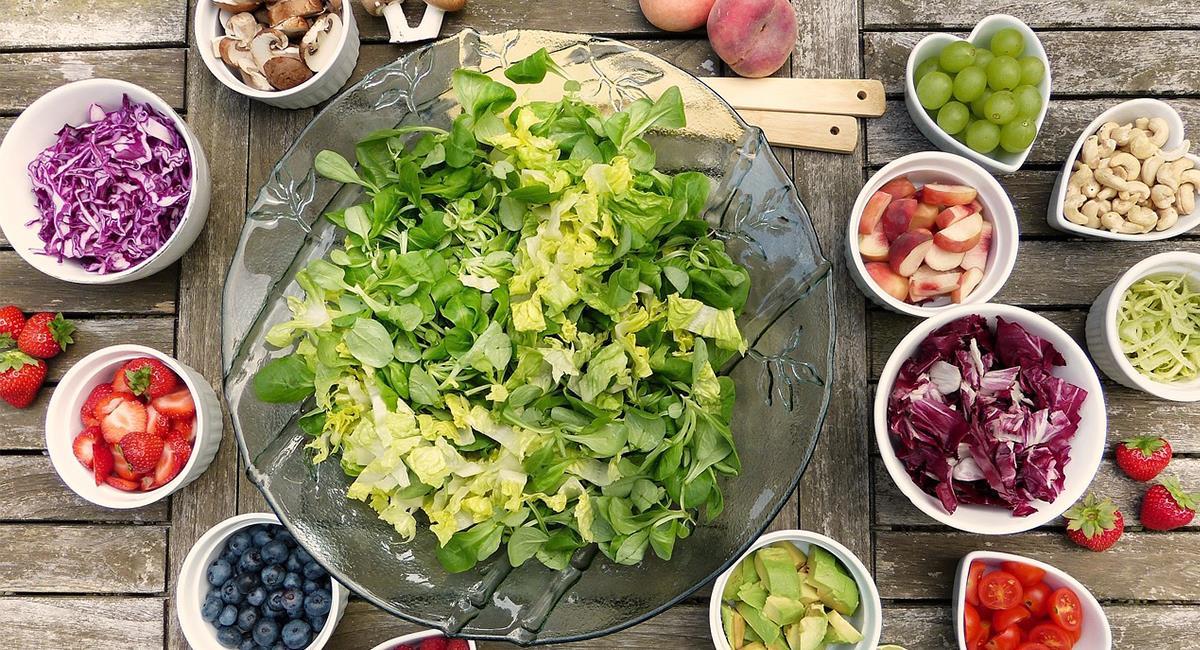 Las recetas de ensaladas frías, sirven como comida o principio. Foto: Pixabay