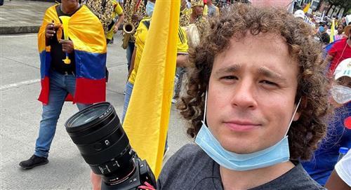 La experiencia de Luisito Comunica en la Comuna 13 de Medellín, con beso robado