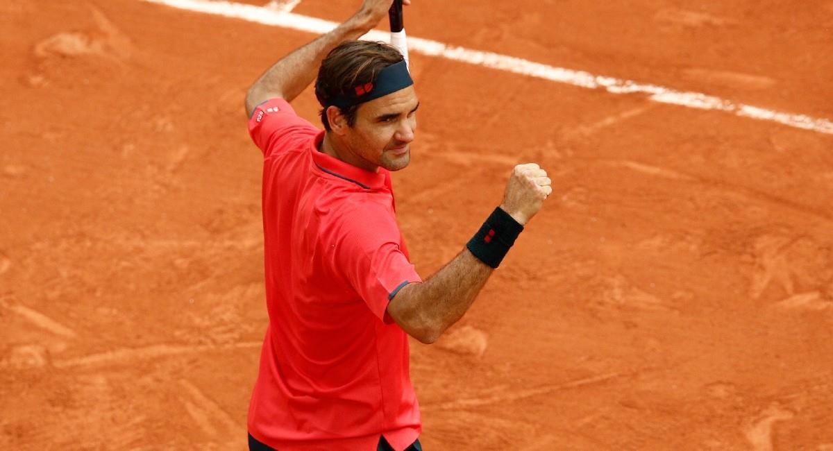 Roger Federer celebra su victoria en Roland Garros. Foto: EFE