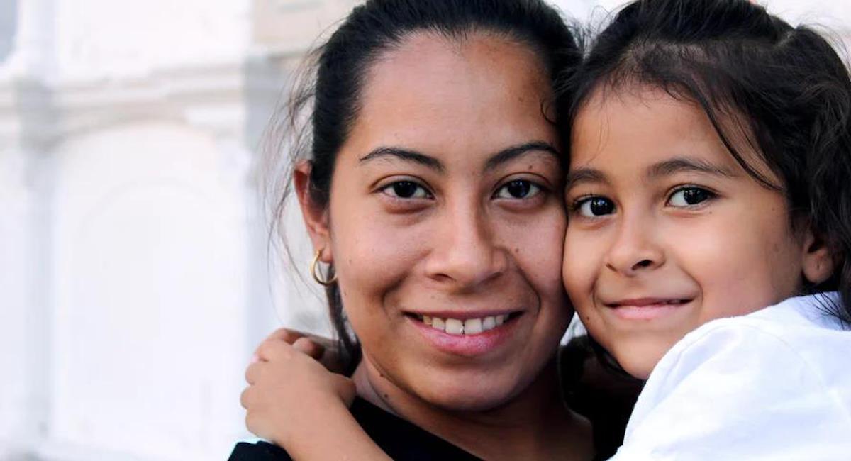 Madres cabeza de familia recibirán educación en la CUN. Foto: CUN