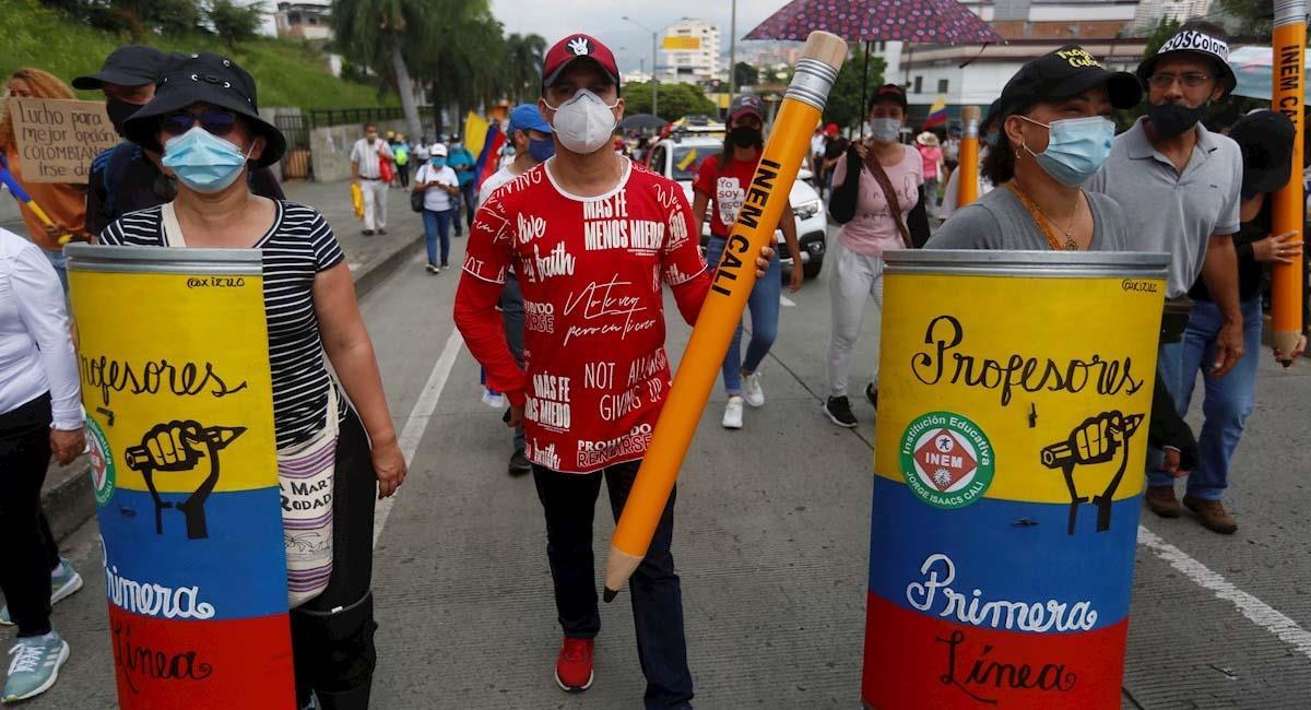 Ciudadanos participaban en una nueva jornada del Paro nacional en Cali. Foto: EFE
