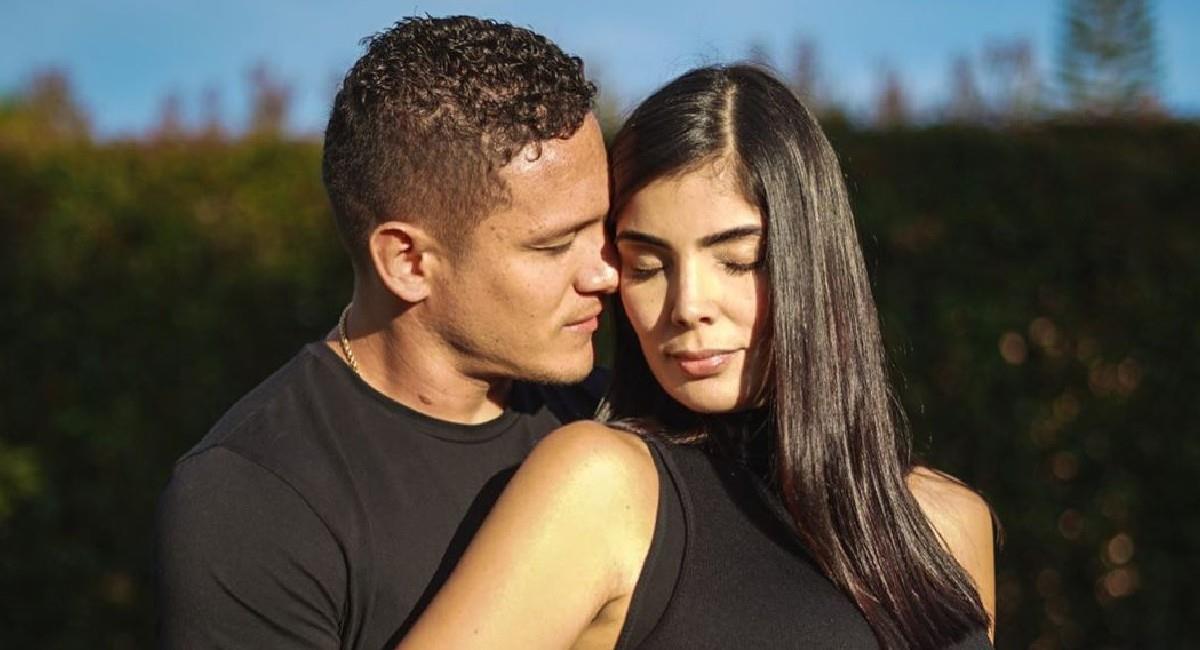 Javier Reina junto a su pareja, Andreína Fiallo. Foto: Instagram @andreinafiallo