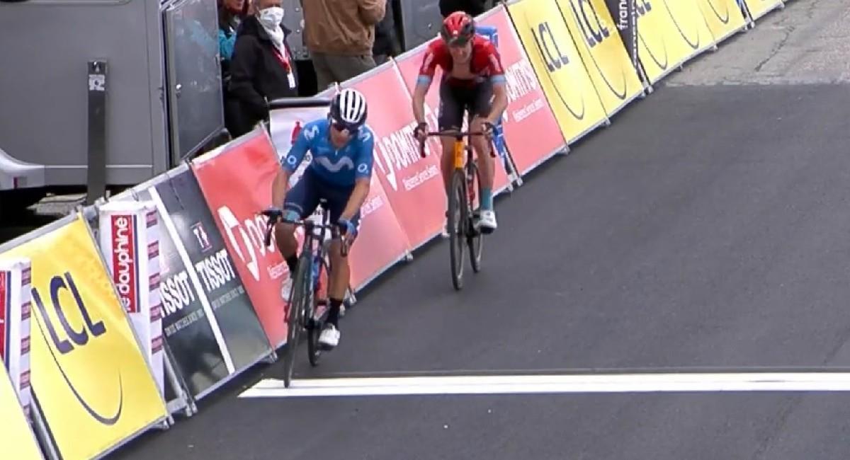 Superman López llegando en el tercer lugar en el Critérium del Dauphiné. Foto: Twitter @Movistar_Team