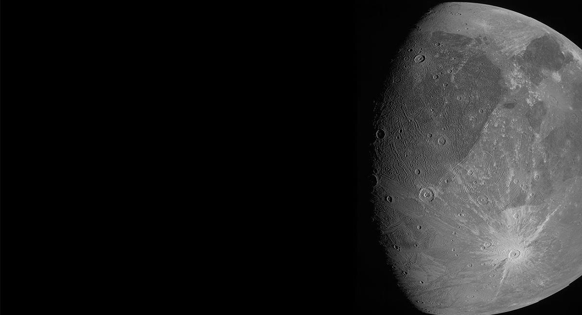 Miren a Ganímedes dijo la NASA tras revelar las primeras imágenes de la Luna Gigante de Júpiter. Foto: Twitter @NASA