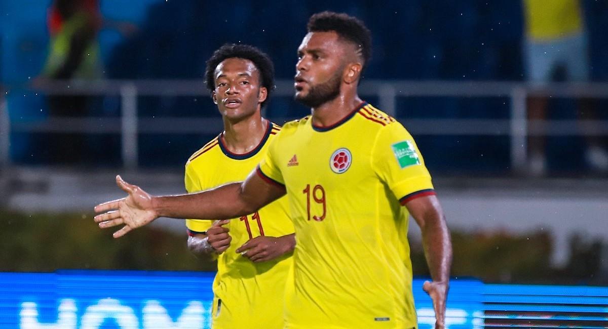 Borja celebra el empate de Colombia en los últimos minutos. Foto: Twitter @FCFSeleccionCol