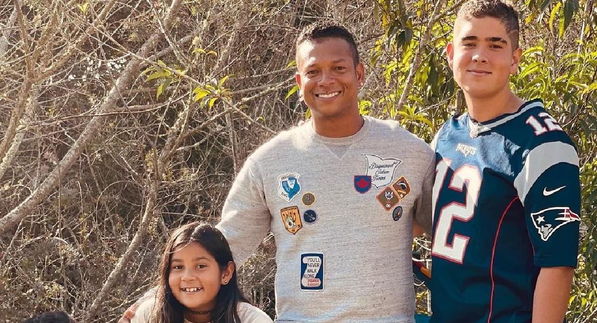 Fredy Guarín junto a sus hijos. Foto: Instagram @fguarin13