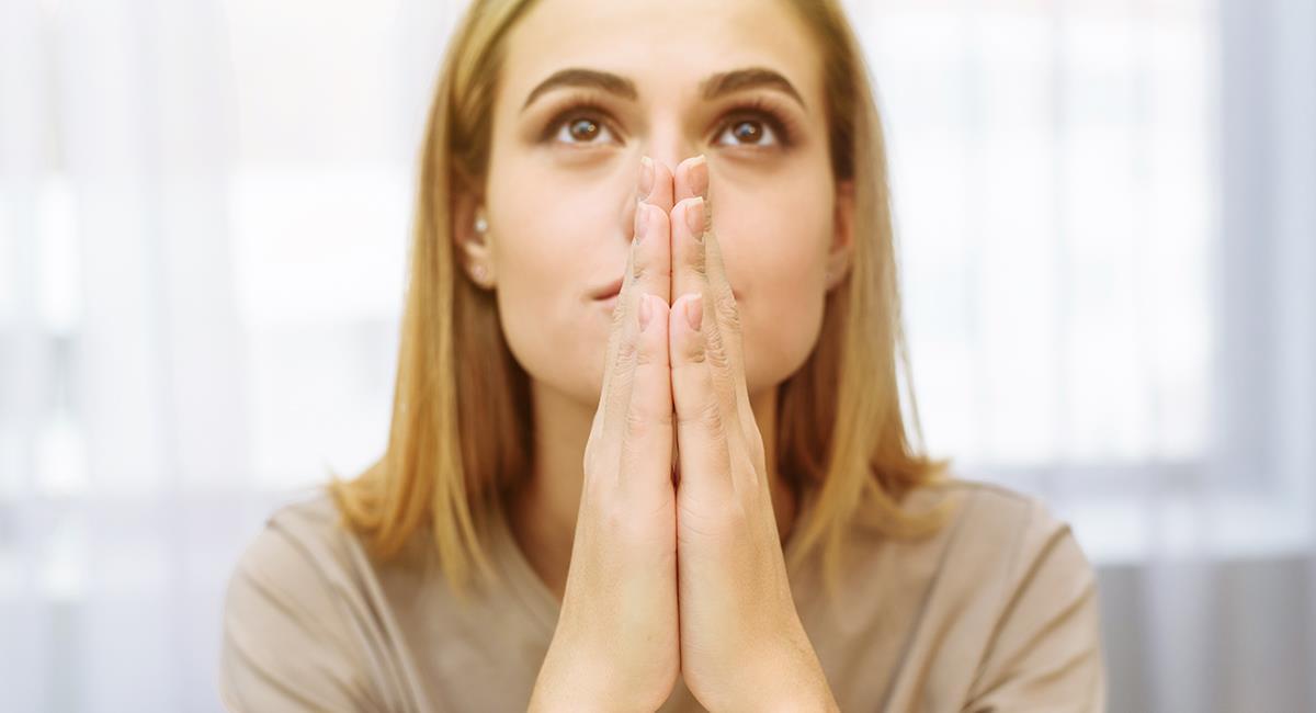 Poderosa oración para hacer una petición de gran importancia. Foto: Shutterstock