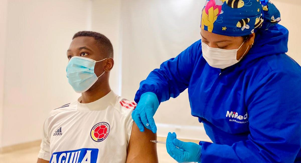 Así fue la vacunación de la Selección Colombia. Foto: EFE