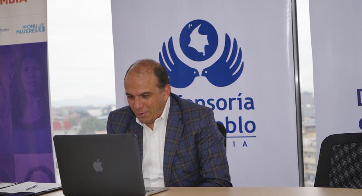 El defensor del pueblo, Carlos Camargo, ha sido cuestionado por su actuación en medio del paro nacional. Foto: Facebook Defensoría del Pueblo