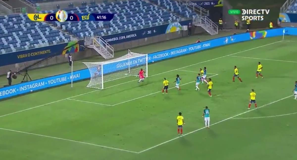 Cardona marca el primero para Colombia. Foto: Twitter captura pantalla DirecTV Sports.