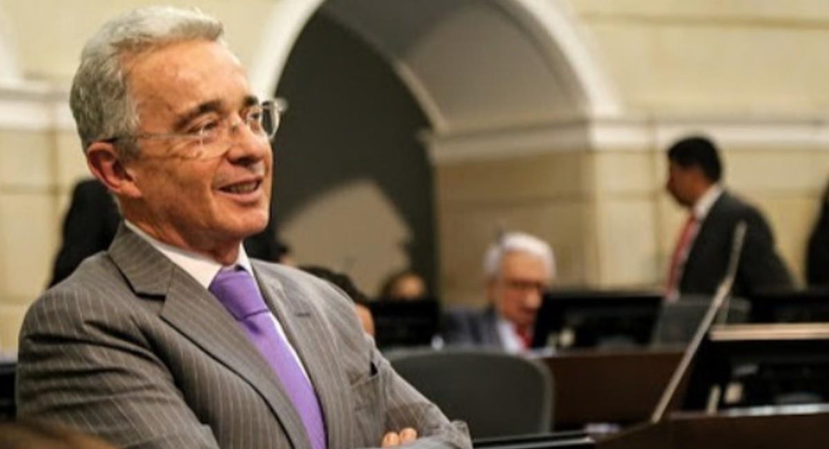 Uribe responde a Santos. Foto: Instagram @alvarouribevelez.