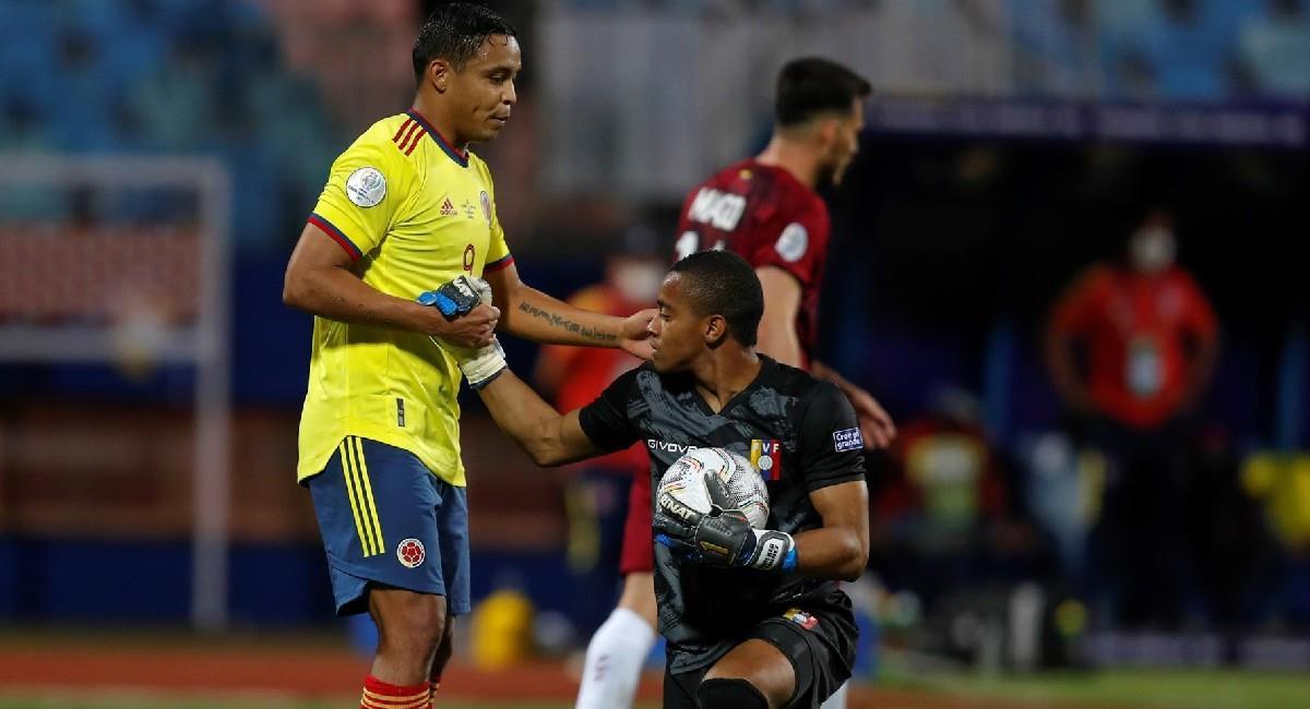 Wuilker Faríñez ante la Selección Colombia. Foto: EFE
