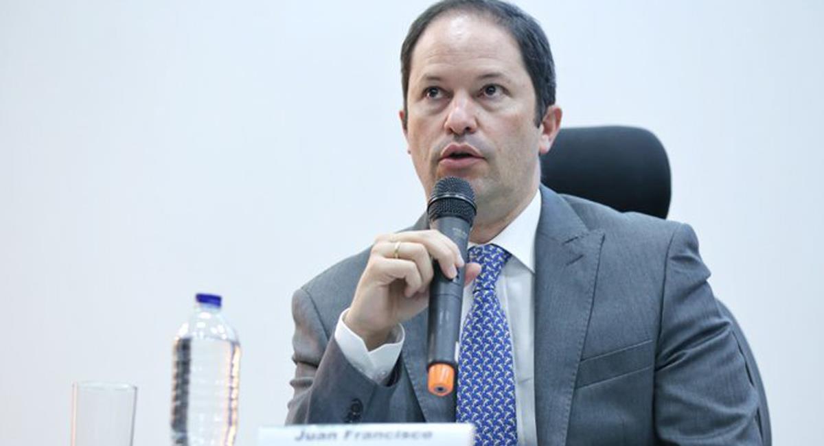 Juan Francisco Espinosa, director de Migración Colombia, anunció el éxito del registro de venezolanos en el país. Foto: Twitter 6AMCaracol