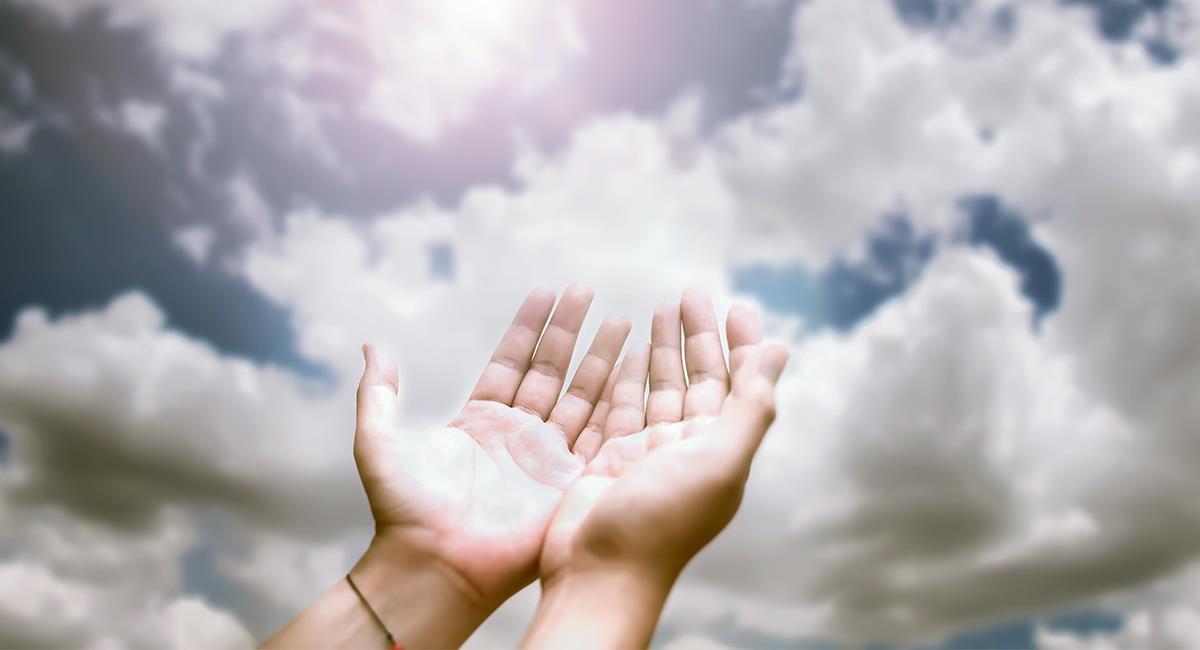 Día del Padre: oración para aquellos que tienen a papá en el cielo. Foto: Shutterstock
