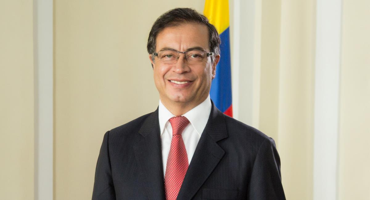 A la principal figura de la oposición en Colombia le preocupa la formación de la juventud caleña. Foto: Facebook Gustavo Petro