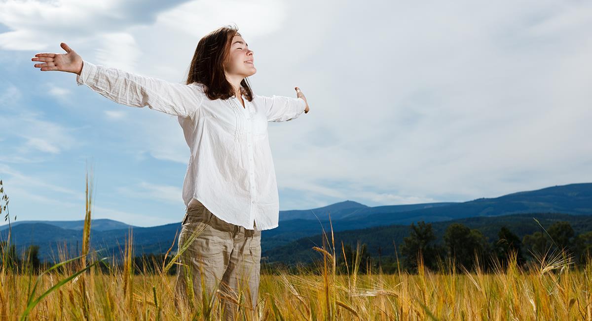 Poderosa oración para que nunca falte el amor ni la felicidad en tu vida. Foto: Shutterstock