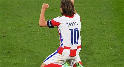 Modric y Perisic sellan el paso de Croacia a 8vos de final